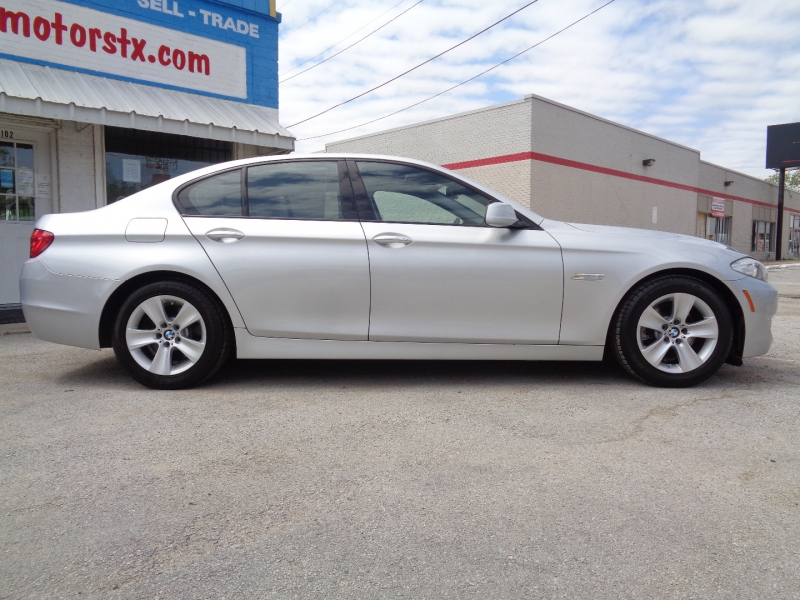 BMW 5-Series 2011 price $13,997