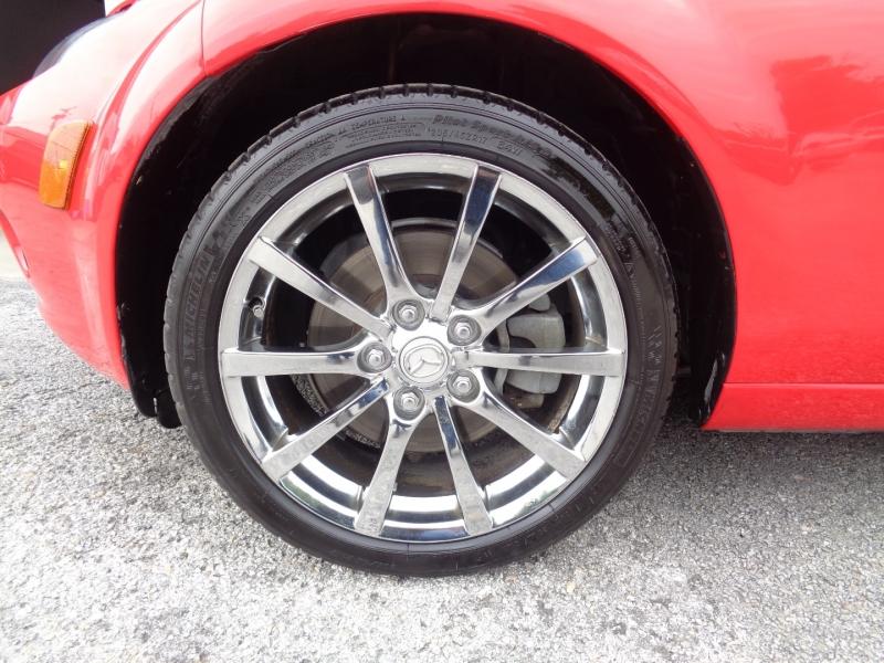 Mazda MX-5 Miata 2007 price $12,997