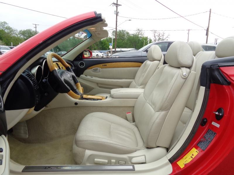 Lexus SC 430 2004 price $17,997