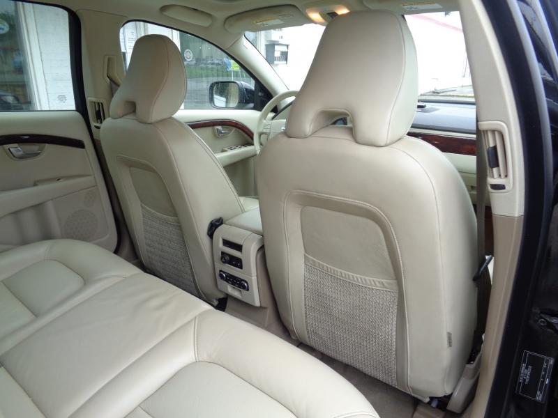 Volvo XC70 2008 price $8,497