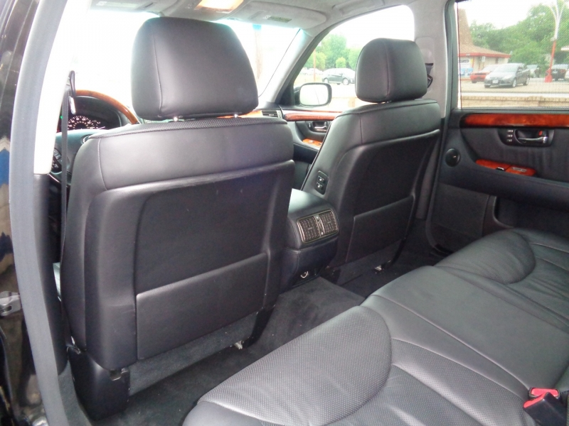 Lexus LS 430 2005 price $11,997