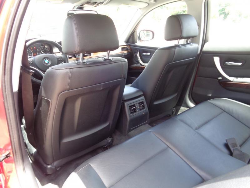 BMW 3-Series 2011 price $13,997