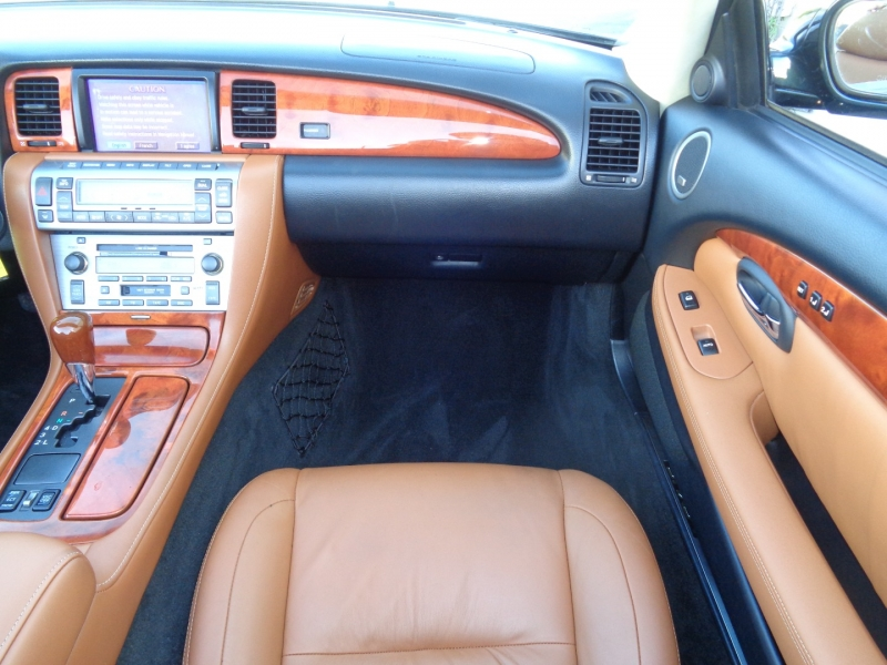 Lexus SC 430 2004 price $24,997