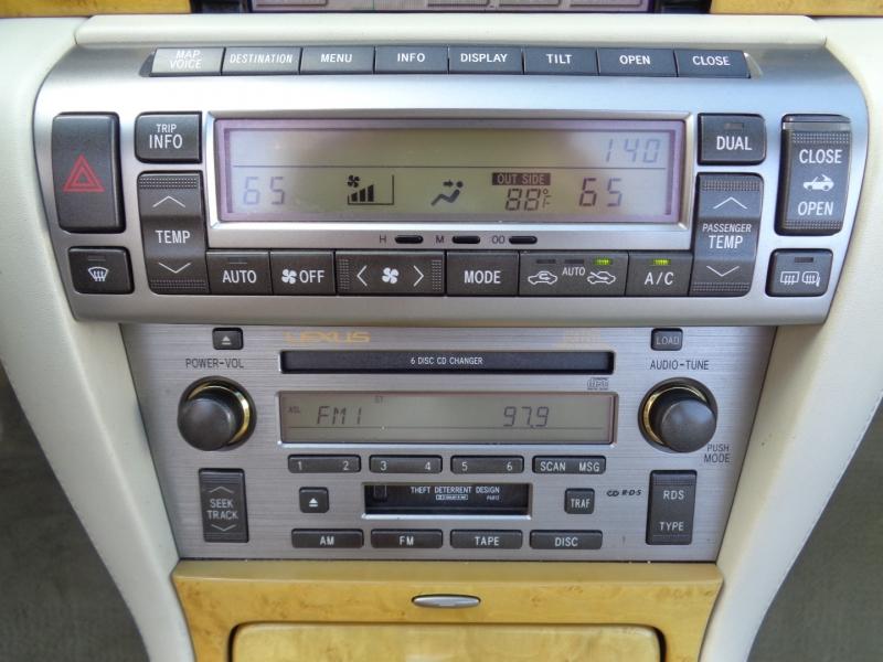 Lexus SC 430 2002 price $19,997