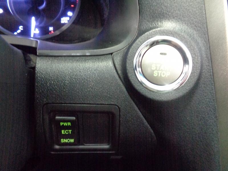 Lexus IS 250C 2013 price $25,297