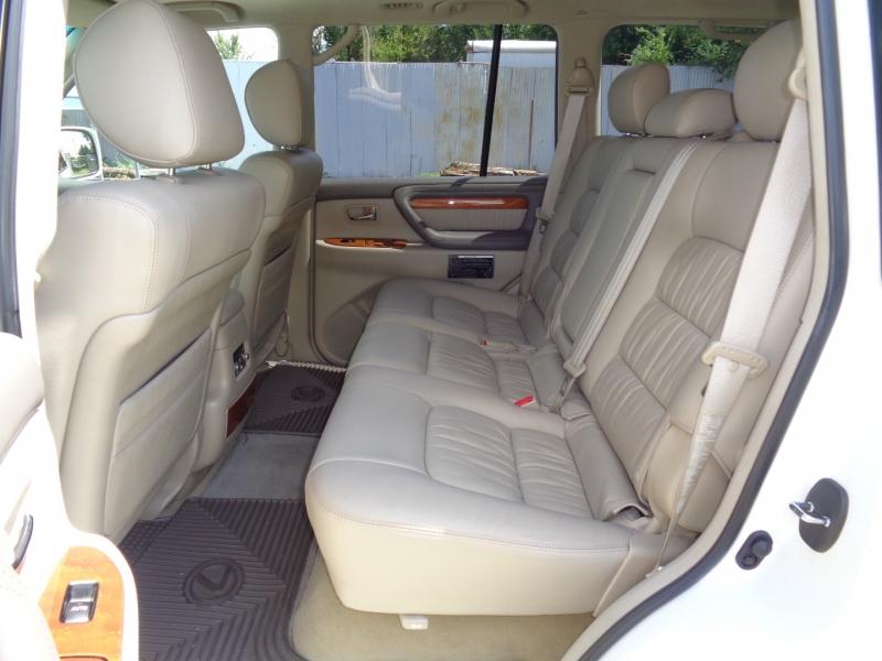 Lexus LX 470 2005 price $38,997