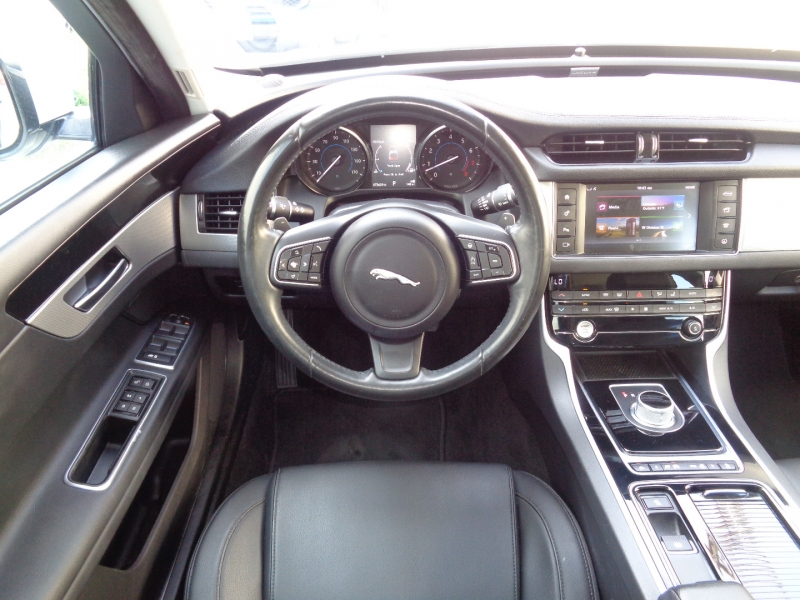 Jaguar XF 2016 price $20,797