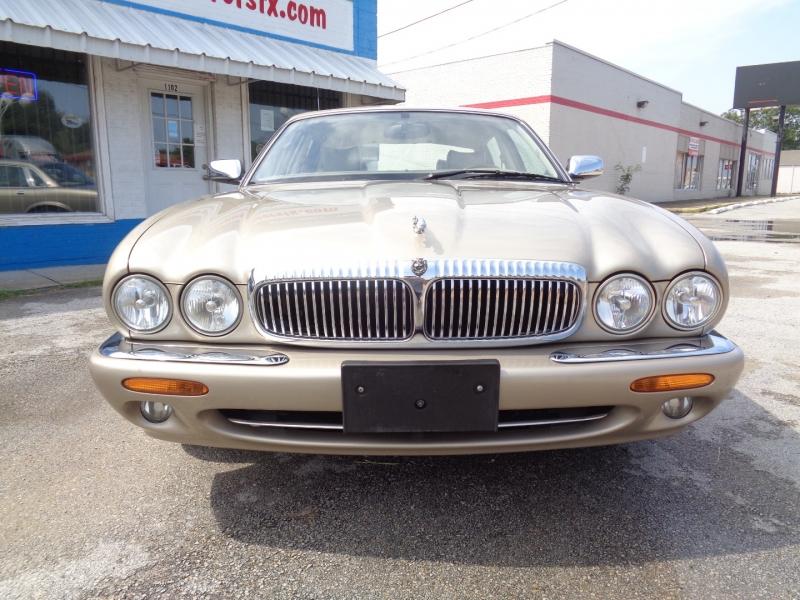 Jaguar XJ 1999 price $10,997