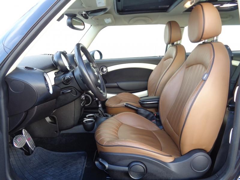 Mini Cooper Clubman 2014 price $11,997
