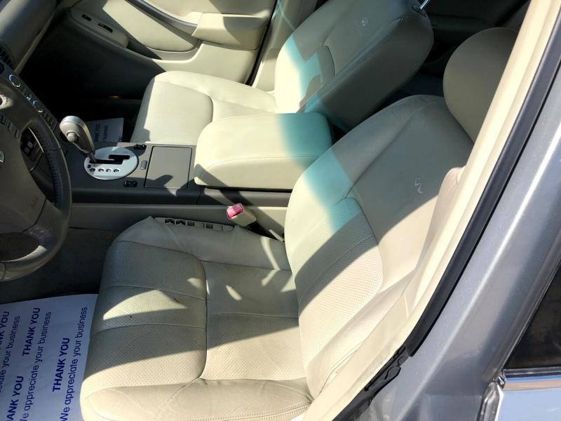 Infiniti G35 Sedan 2004 price $5,998