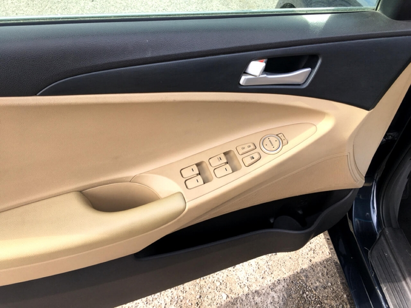 Hyundai Sonata 2011 price $8,399