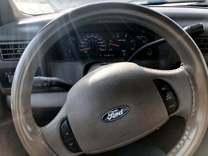 Ford Super Duty F-350 DRW 2004 price $9,995