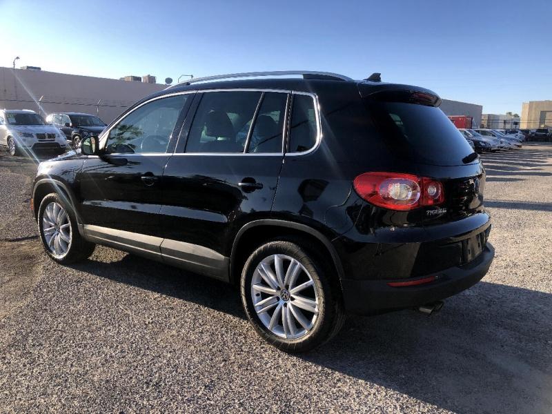 Volkswagen Tiguan 2011 price $8,495