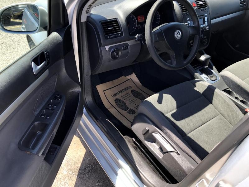 Volkswagen Rabbit 2008 price $8,483