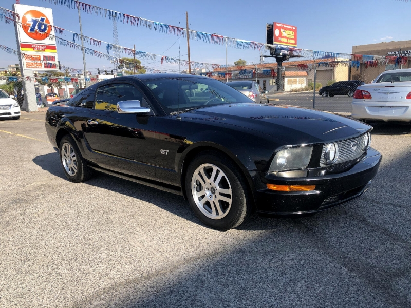 Ford Mustang 2005 price $9,995