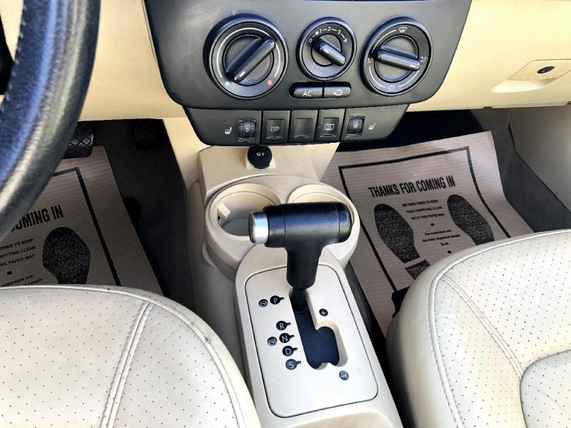 Volkswagen New Beetle Convertible 2005 price $5,495