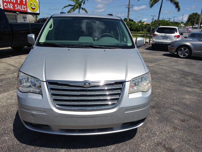 Chrysler Town & Country 2010 price $4,995