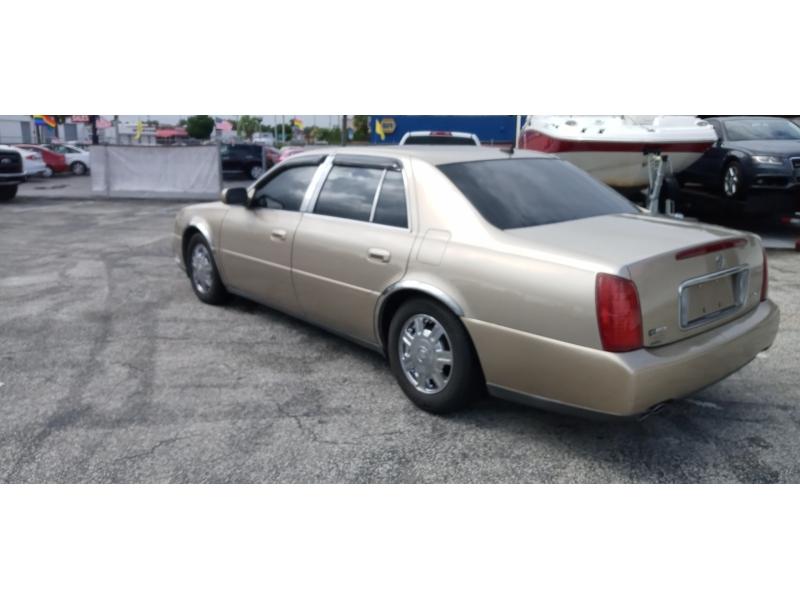 Cadillac DeVille 2005 price $2,495