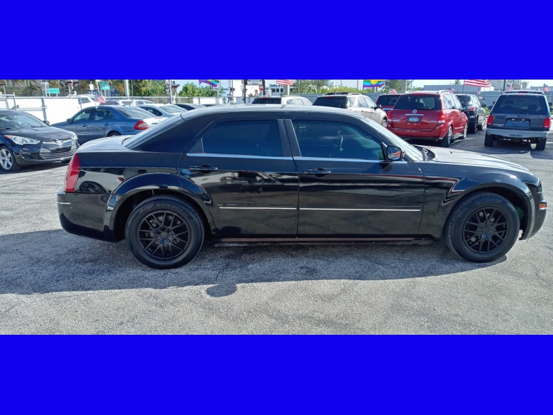 Chrysler 300 2005 price $3,495