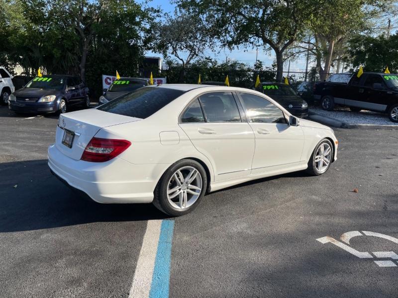 Mercedes-Benz C-Class 2013 price $7,991