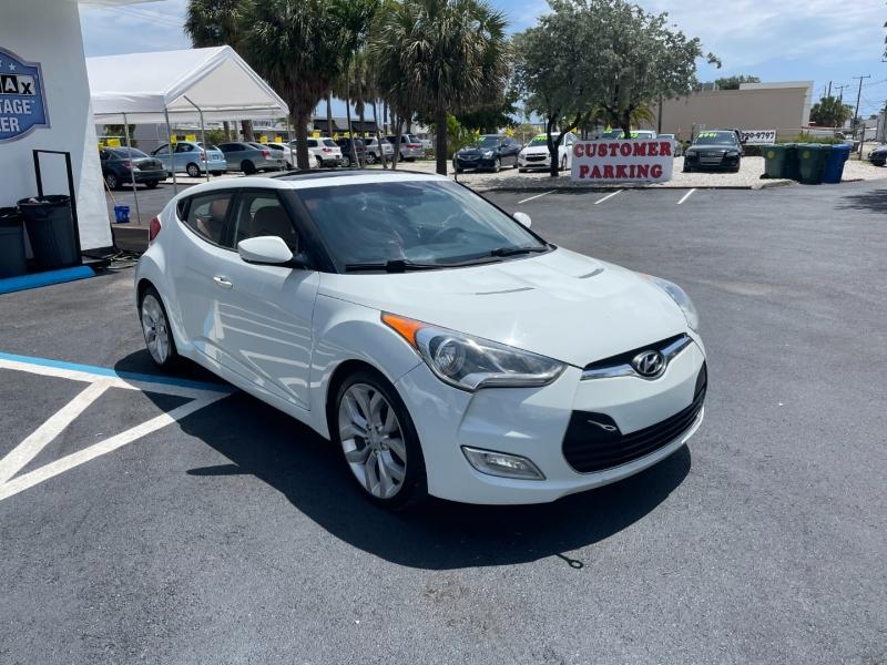 Hyundai Veloster 2012 price $7,991
