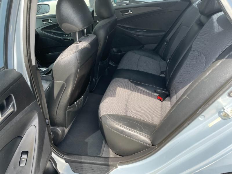 Hyundai Sonata 2011 price $5,991