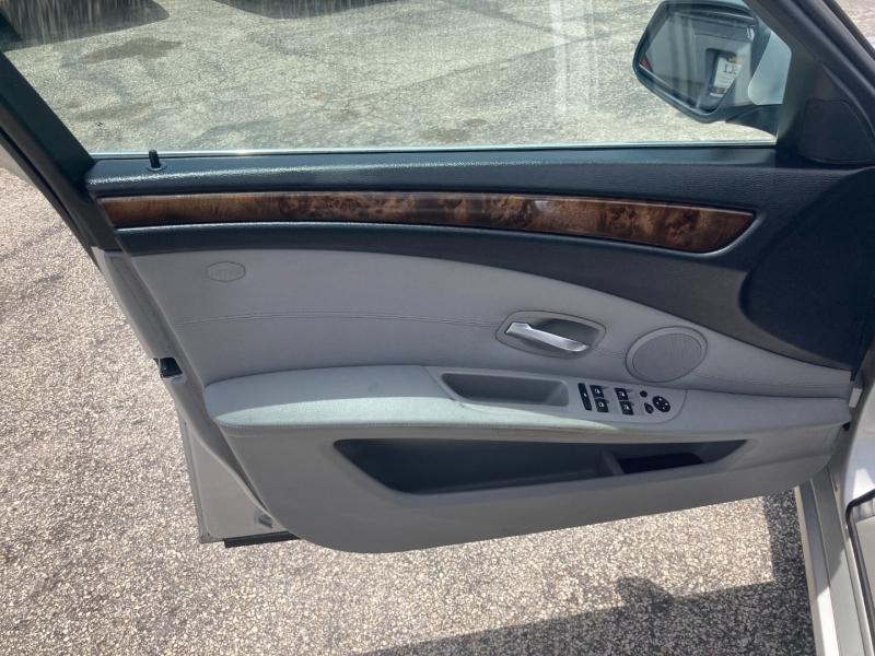 BMW 5-Series 2010 price $7,991