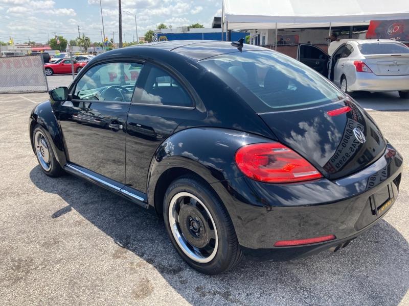 Volkswagen Beetle Coupe 2013 price $6,995