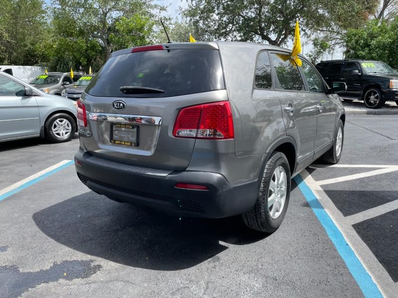 Kia Sorento 2011 price $7,991