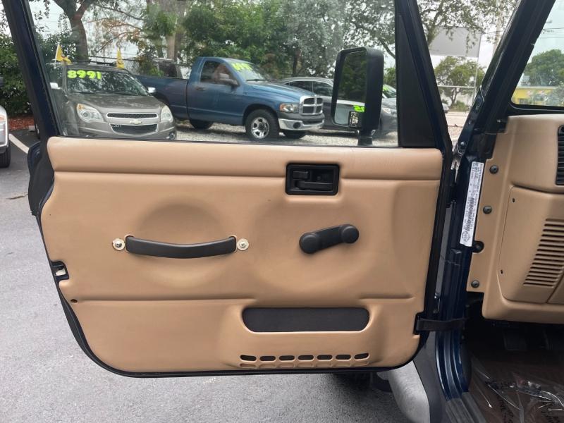 Jeep Wrangler 2002 price $10,991