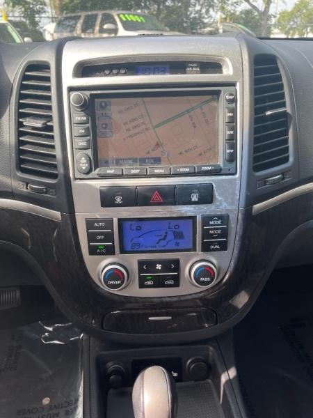 Hyundai Santa Fe 2009 price $5,991