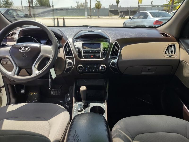Hyundai Tucson 2011 price $5,995
