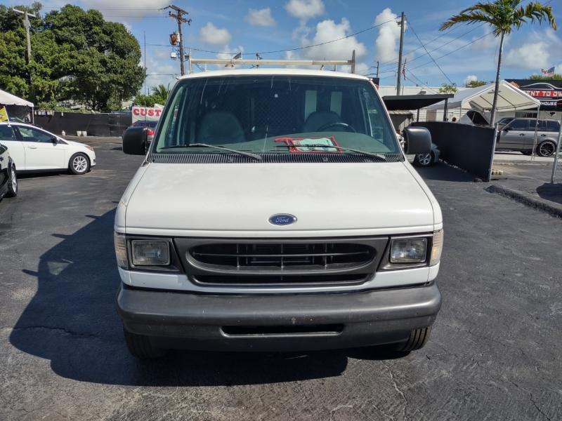 Ford Econoline Cargo Van 2002 price $4,995