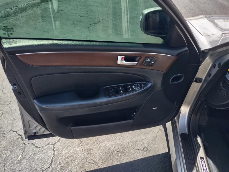 Hyundai Genesis 2012 price $8,990