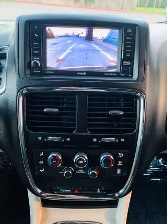 Dodge Grand Caravan 2017 price $19,800