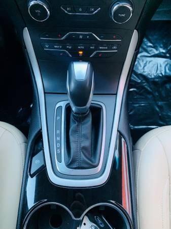 Ford Edge 2015 price $23,900