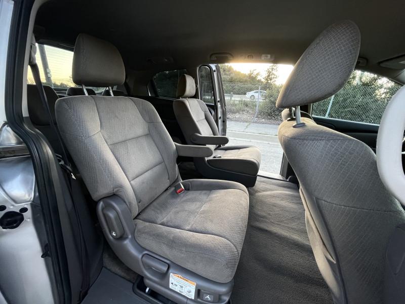 Honda Odyssey 2014 price $13,859