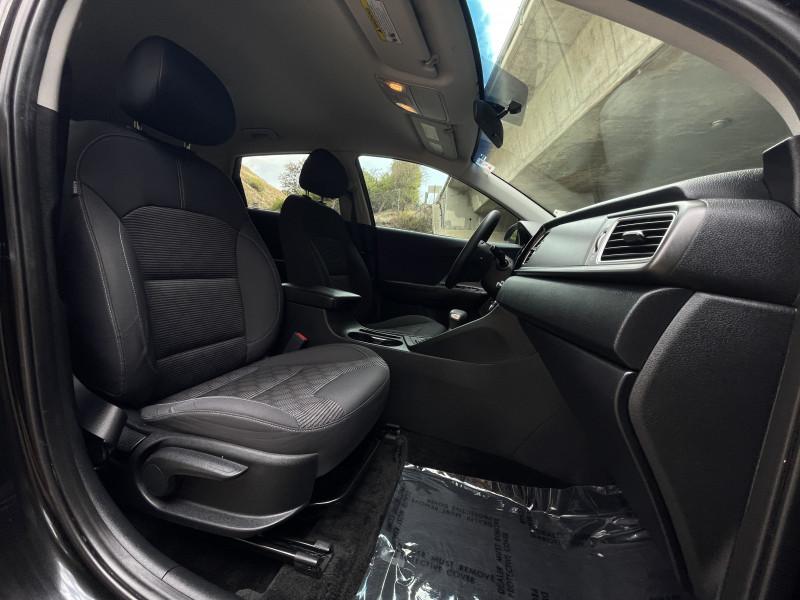 Kia Niro 2018 price $14,899