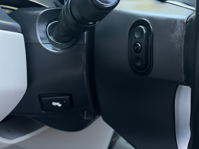 Volkswagen Routan 2010 price $7,790