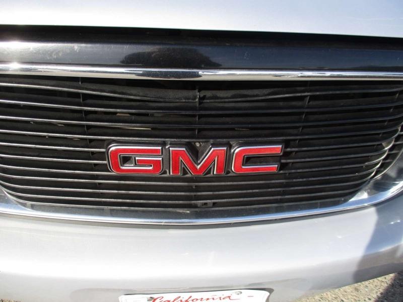 GMC Denali 2000 price $3,999