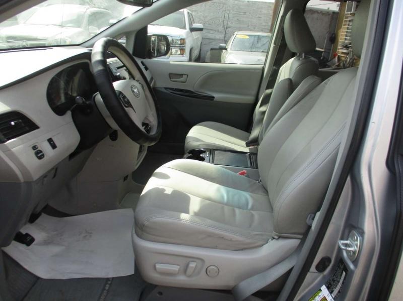 Toyota Sienna 2012 price $10,999