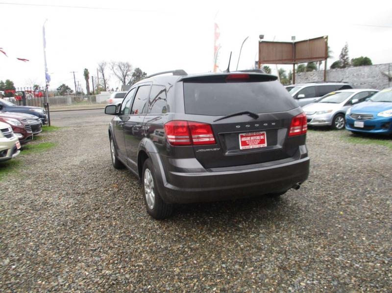 Dodge Journey 2016 price $10,499