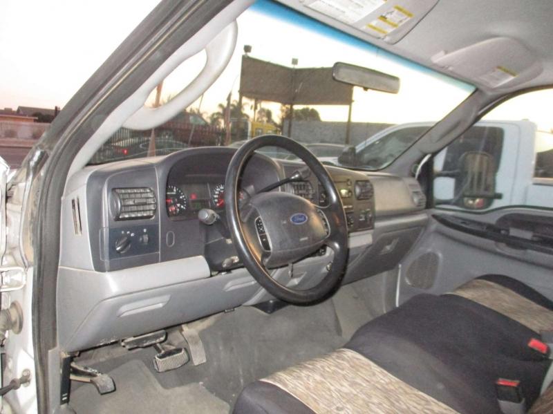 Ford Super Duty F-350 DRW 2006 price $11,999