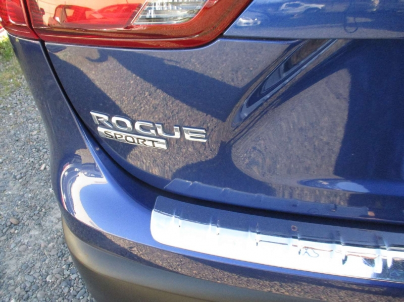 Nissan Rogue Sport 2018 price $14,499