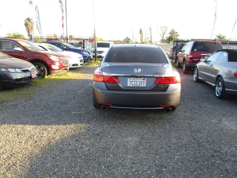 Honda Accord Sdn 2013 price $13,999