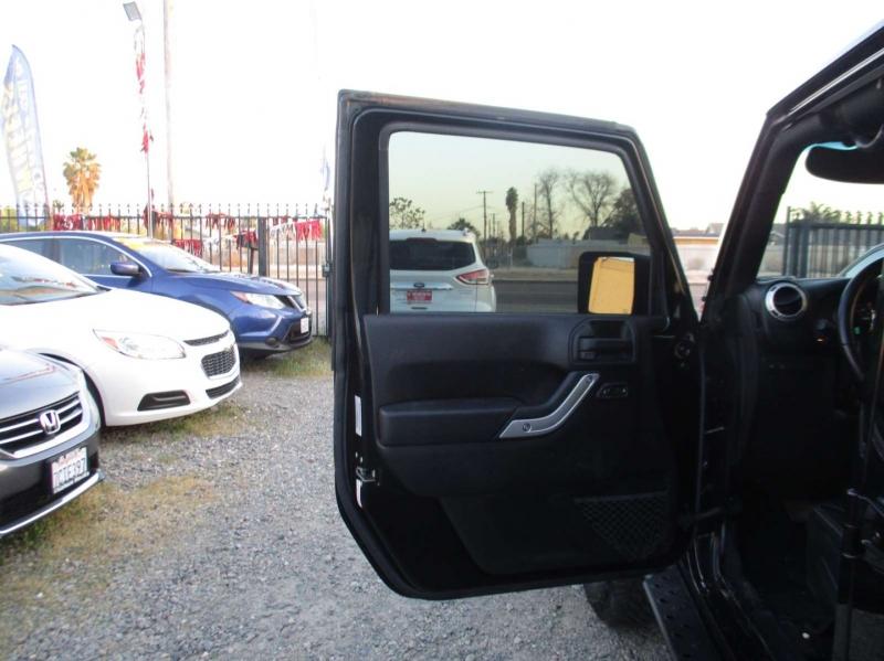 Jeep Wrangler Unlimited 2016 price $39,999