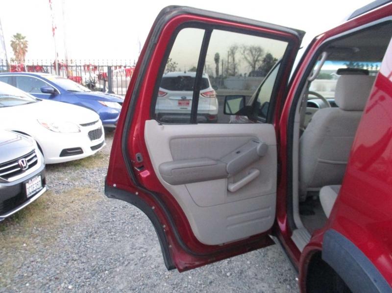 Ford Explorer 2007 price $8,999