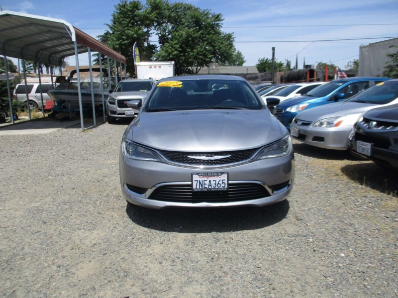 Chrysler 200 2015 price $12,999