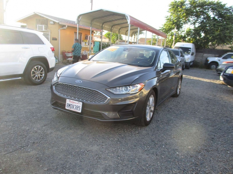 Ford Fusion 2019 price $19,999