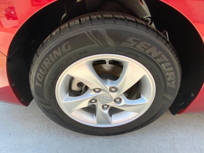 Hyundai Elantra 2015 price $12,995